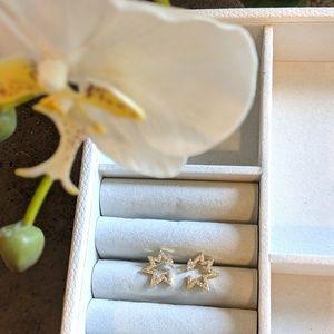 Jewelry - Gold star studs with diamonds